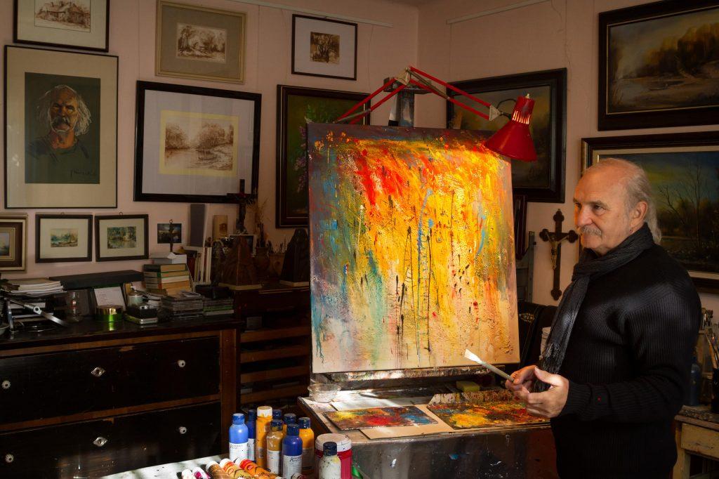 Varga György legújabb absztrakt alkotásaiban is felsejlik a szigetközi táj, hangulat.